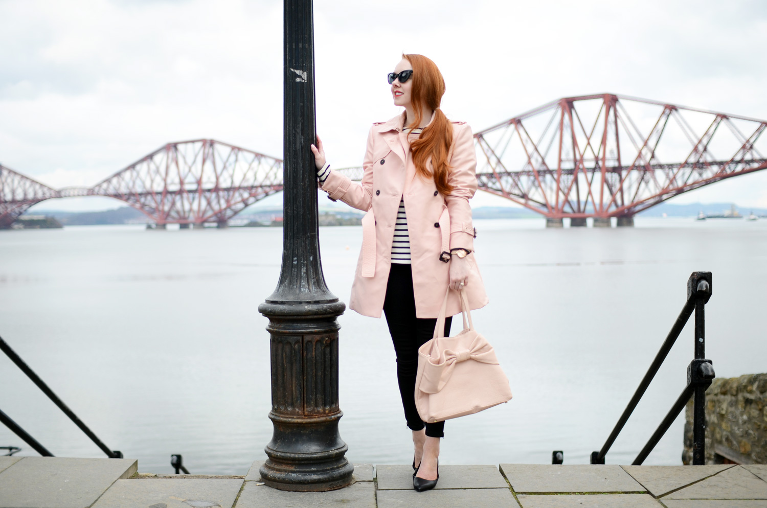 Pink trenchcoat outfit