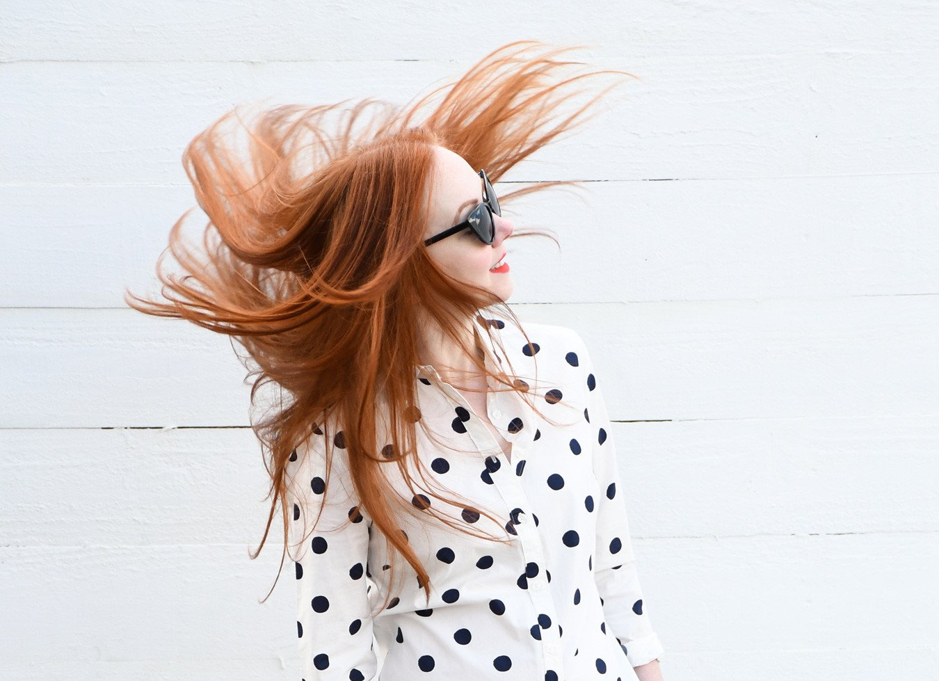 red haired fashion blogger